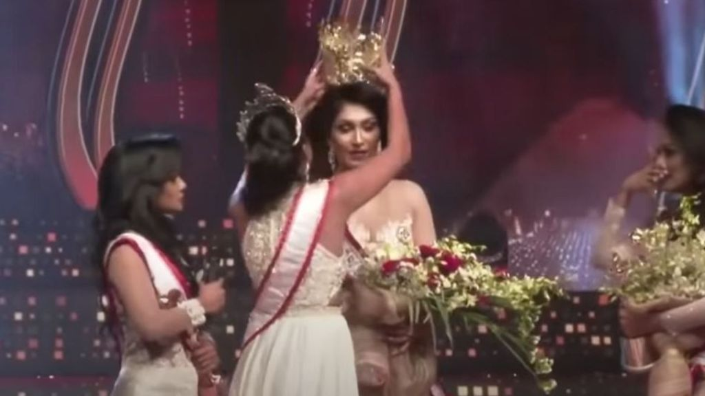 madame Sri lanka couronne arrachée Pushpika de silva