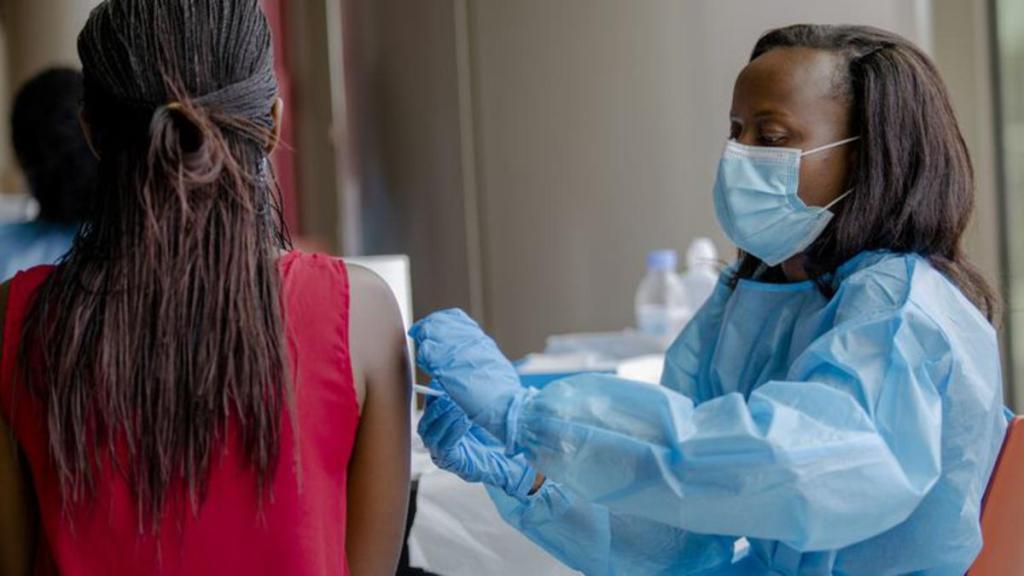 Covid-19 vaccination empêche contamination