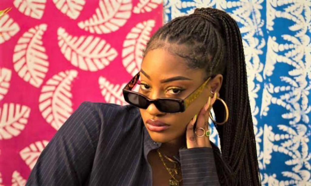 Nigéria chanteuse Tems valeur cuisses généreuses