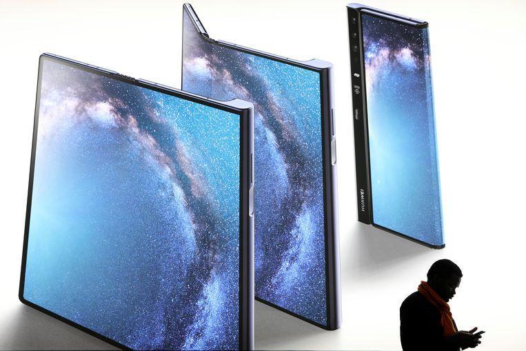Release date of foldable Huawei smartphone postponed again
