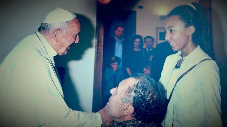 """""""Paralyzed"""" who fooled pope: pretends to be disabled for 12 years"""