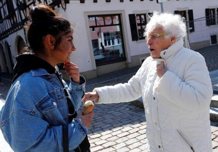 """100-year-old """"Lisel Heise"""" is standing for election in Germany"""