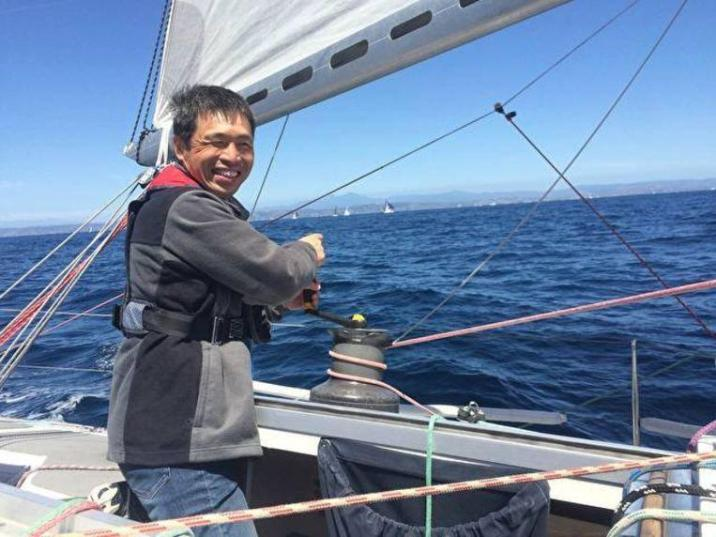 52-year-old blind sailor Mitsuhiro Iwamoto has managed to cross the Pacific Ocean non-stop.
