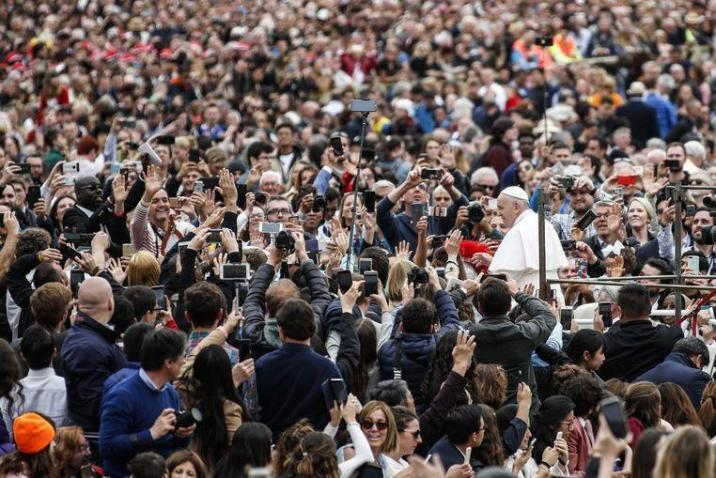 Pope calls for peace in Libya in the Easter message