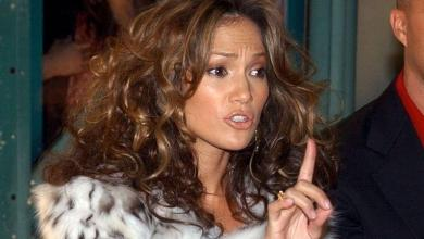 """Jennifer Lopez booed on red carpet: """"You have blood on your hands!"""""""