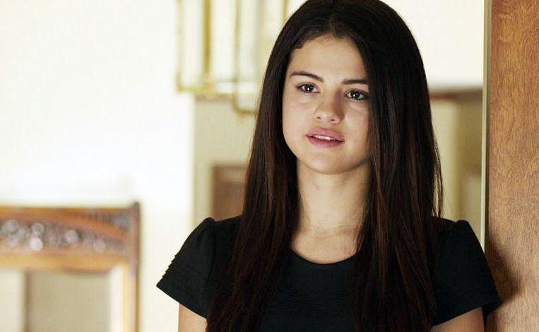 "Selena Gomez candid about nervous breakdown: ""It felt like all my pain"""