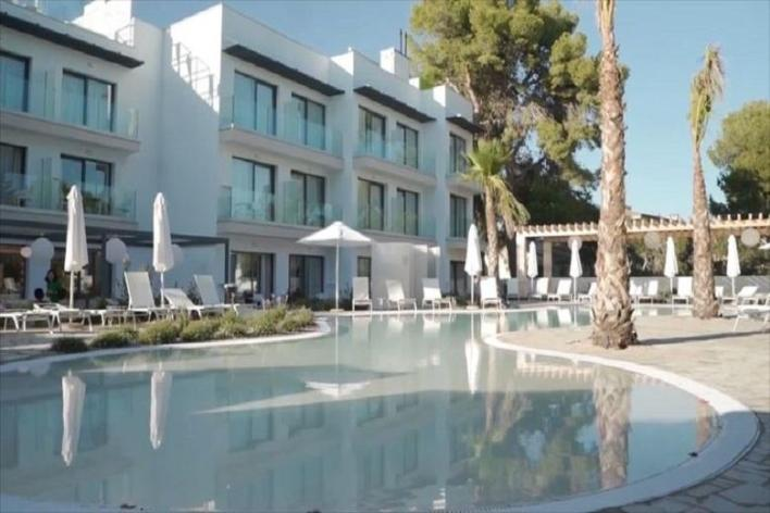 Som Dona! First 'Women-Only Hotel' opened on Mallorca