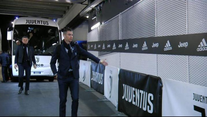 Funny action: Ronaldo shakes hands with 'ghost fans'