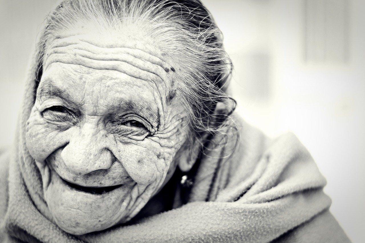 The secret to a long life? A few identical chromosomes