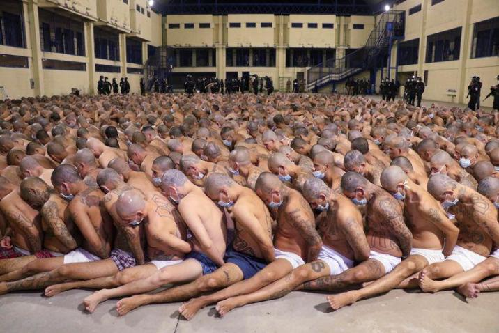 The government of El Salvador released some pictures of a police action in the Izalco prison in the capital San Salvador. During a search of the cells detainees had to sit in rows.