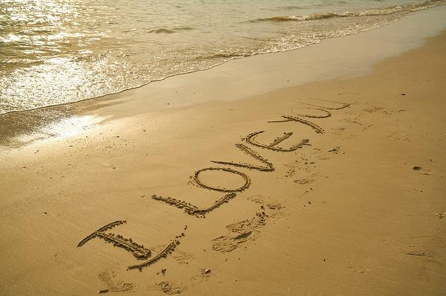 """Saying """"I love you"""" can improve your life and health"""