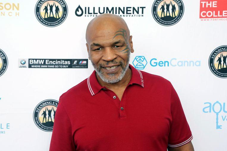 """""""I'm back"""": Mike Tyson shares new stunning training video"""