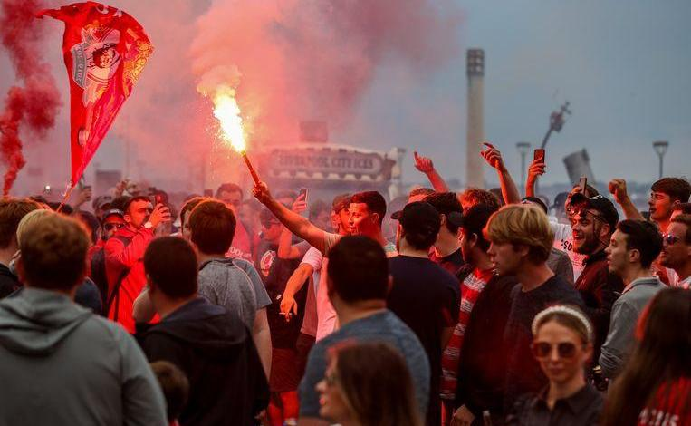 "Liverpool are suing fans for ""unacceptable behavior"" giant mountain of waste left behind"
