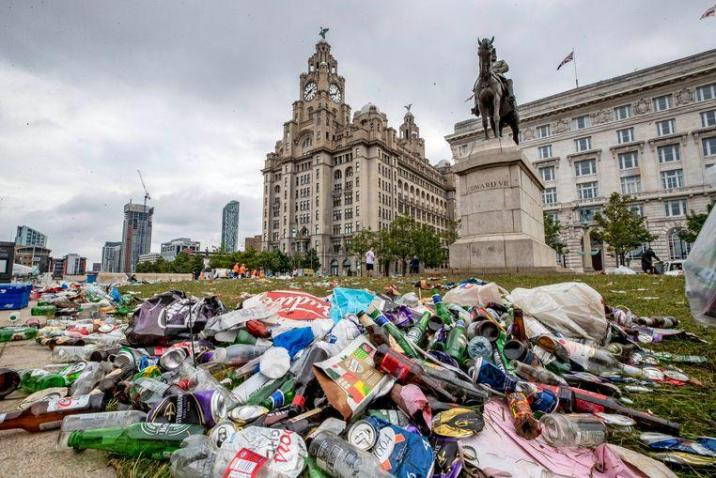 """Liverpool are suing fans for """"unacceptable behavior"""" giant mountain of waste left behind"""