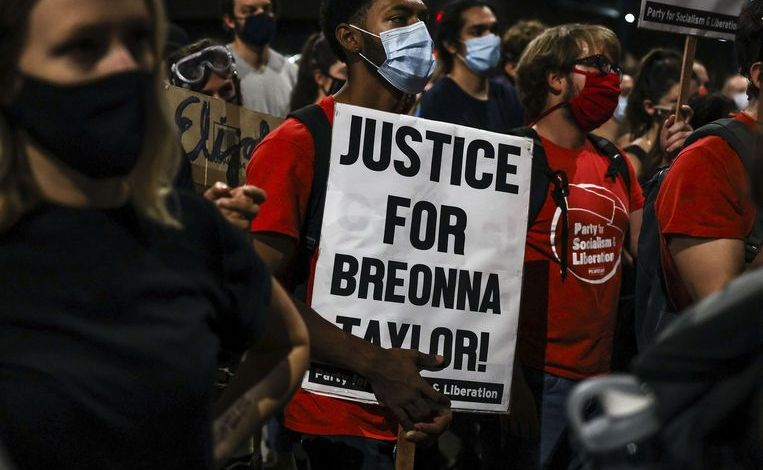 Tragic story of Breonna Taylor: how a black nurse was shot dead in her home by white policemen