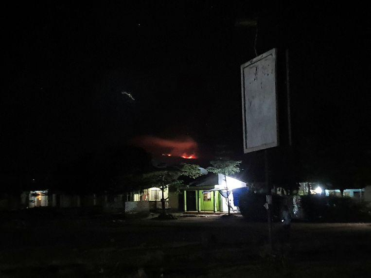 The top of Mount Kilimanjaro, the highest point in Africa, is still on fire. How the wildfire started at an altitude of almost 6,000 meters is still unclear.
