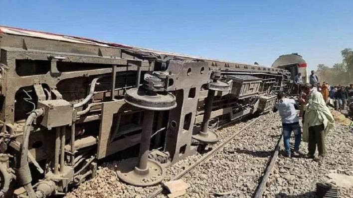 At least 32 died in a train crash in Egypt