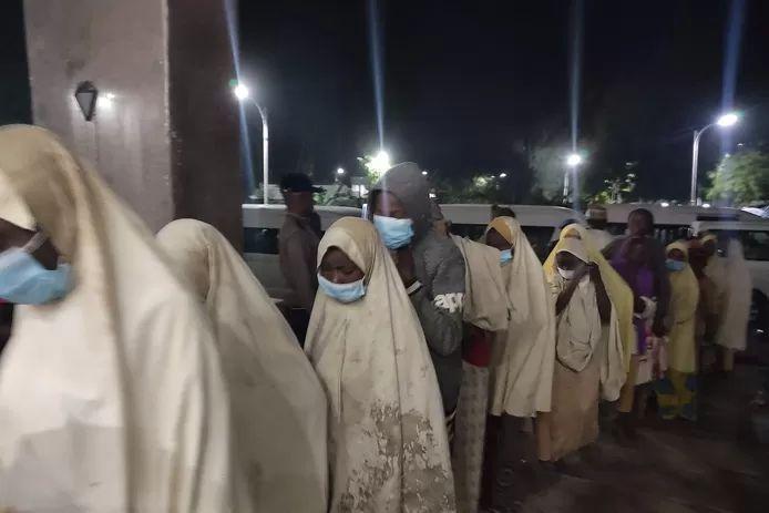 Hundreds of kidnapped schoolgirls released in Nigeria