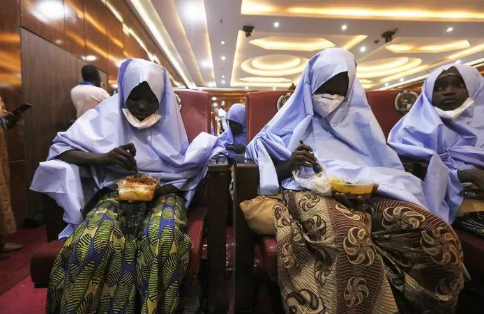 Hundreds of kidnapped schoolgirls released in Nigeria