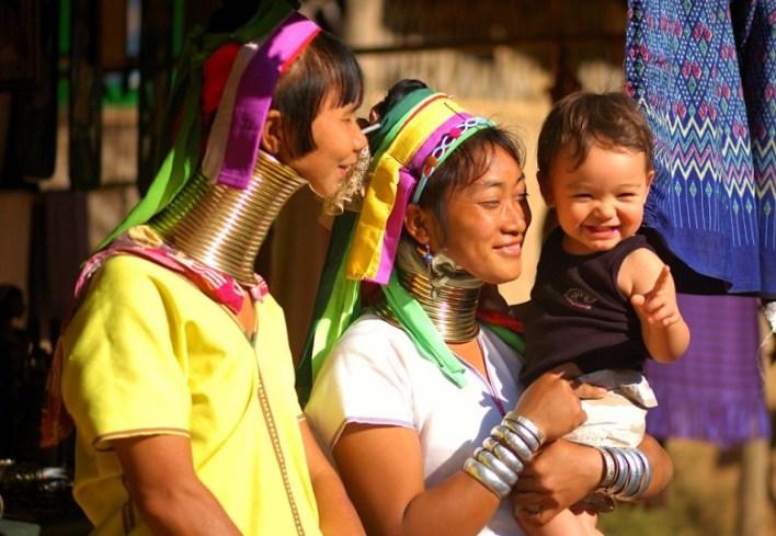 women of Padaung tribe