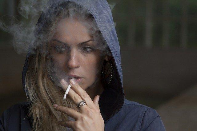"""Smoking linked to """"at least twenty cancers"""""""