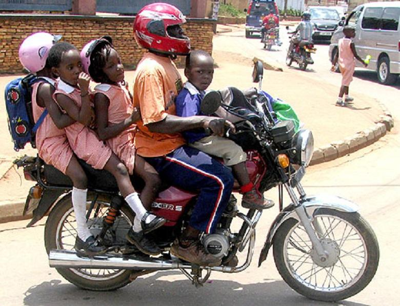 """Boda Bodas, an informal sector that makes many """"happy"""" in East Africa"""