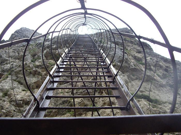 Ladder to the top of the pillar