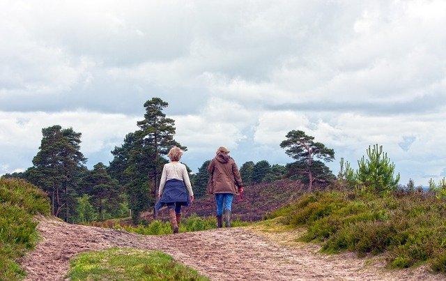 A woman walks 8,046 km(!) from Ukraine to Wales