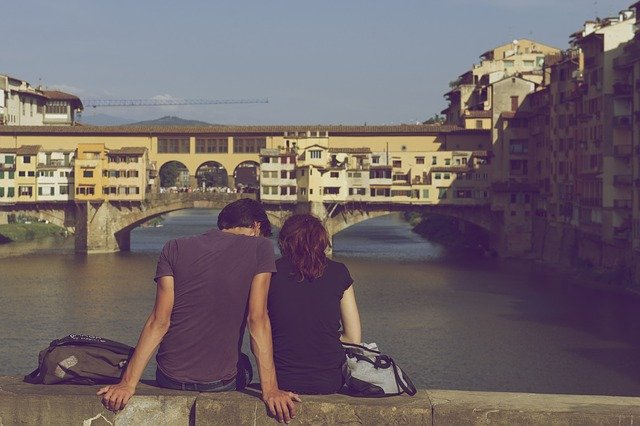 3 signs that you need to set boundaries in your relationships
