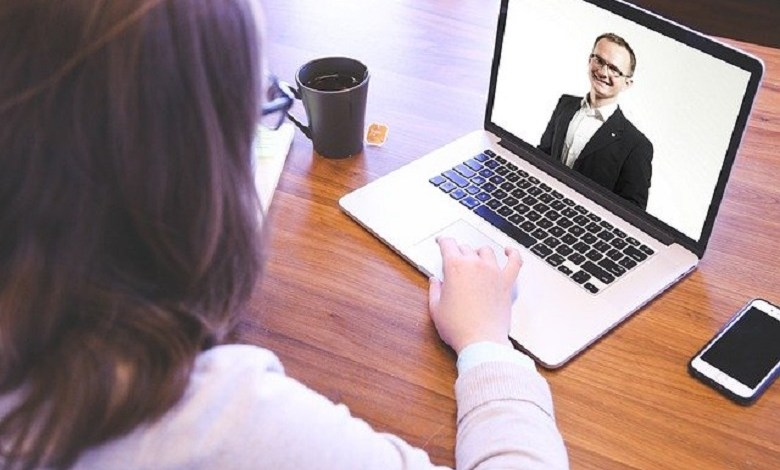 This is how you survive uncomfortable situations during an (online) job interview
