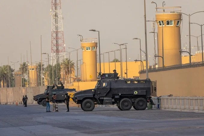 2 rockets were fired near the American embassy in Baghdad