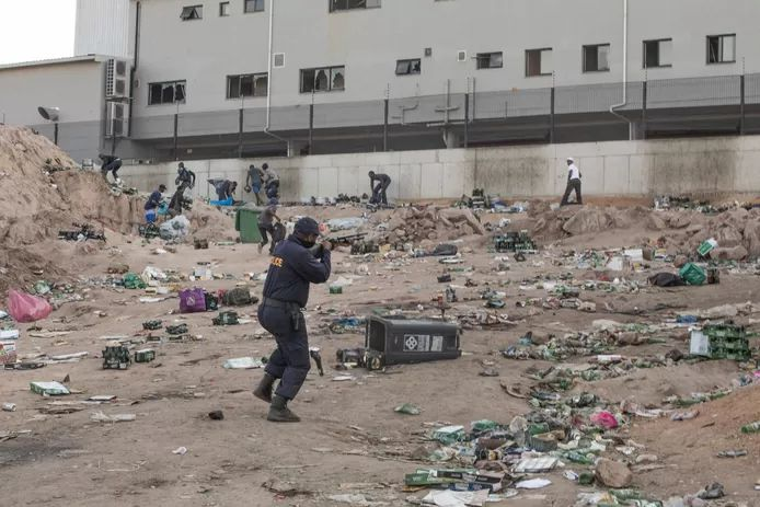 Violence in South Africa: Over 75,000 jobs affected