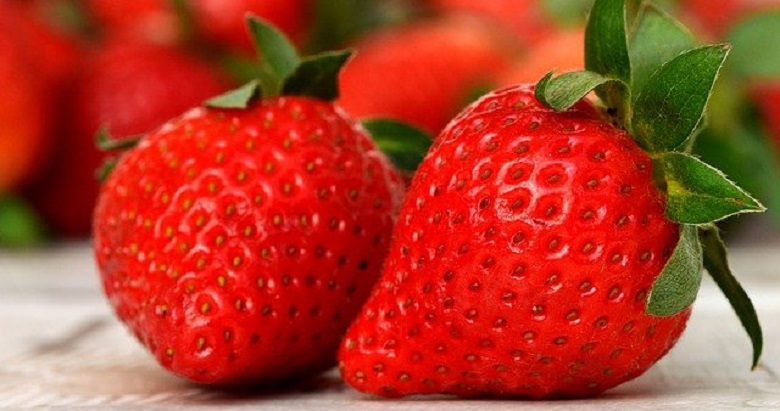 9 reasons to love strawberries - the berry of health and beauty
