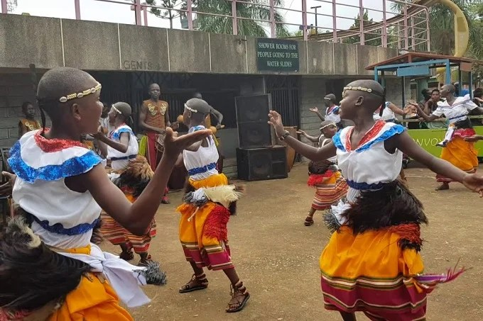 Nankasa, Baakisiimba, Muwogola dance