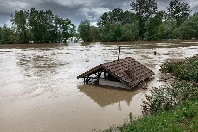 Floods in Niger claim 64 lives
