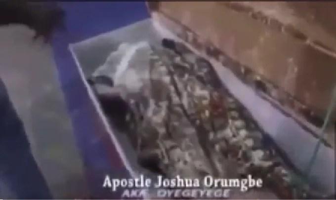 Nigeria prophet pretends to resurrect dead woman (Video)