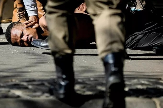 Police violence in South Africa: investigation into 20 deaths during the unrest in July