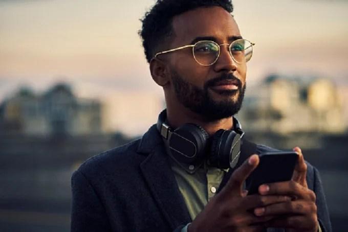What do women think of glasses on men