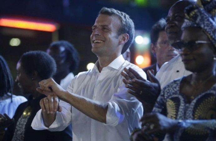 Macron appelle à Lagos les Africains «à réussir enAfrique»