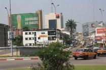 Vous cherchez une banque ? Allez donc à Bonanjo / You're looking for a bank? Go to Bonanjo