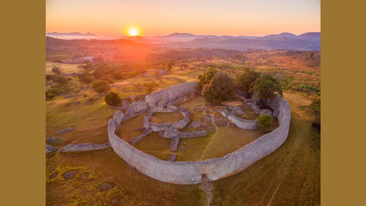 Le Grand Zimbabwe et son antique cité bantoue