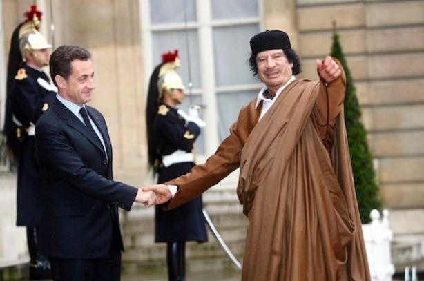 Nicolas Sarkozy et Kadhafi