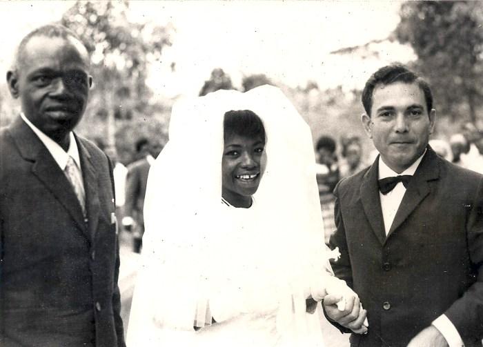 Florentina en 1969 durante su boda, junto a su padre y marido