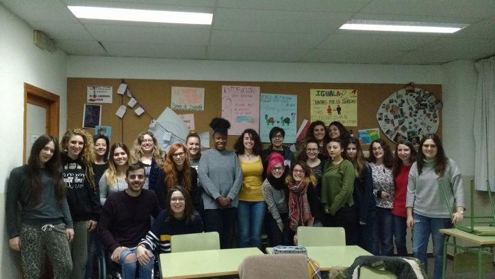 Taller Afroféminas sobre Feminismos negros para jóvenes en Zaragoza.