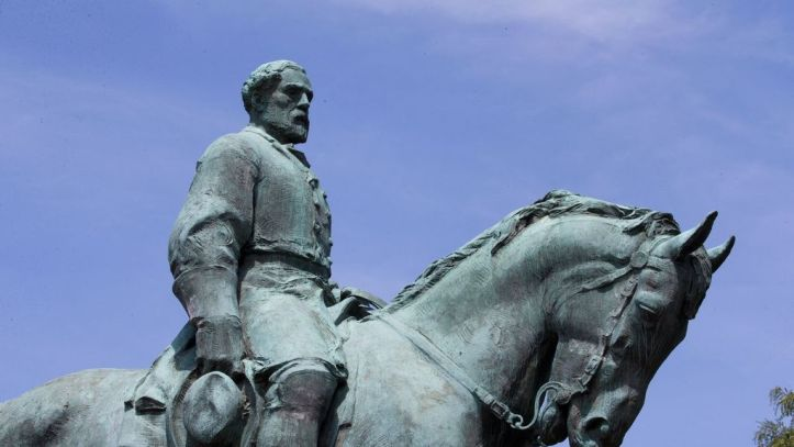 Estatua del general Robert Edward Lee en Charlottesville, Virginia