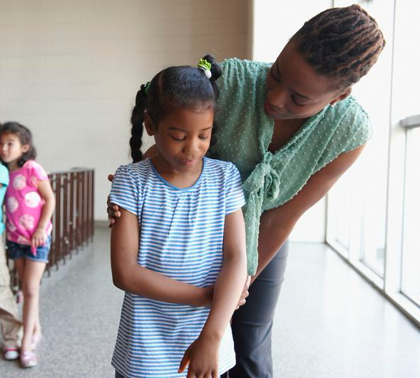 Sí hay racismo en la niñez, y no es una broma