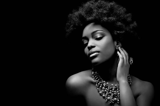 Mensajes negativos en los medios sobre la mujer negra y como combatirlos