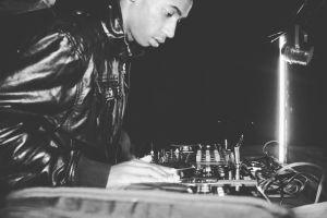 DJ Fresh feat. Buyiswa - Mela (Ma-Africa) [Dj Thakzin remix]