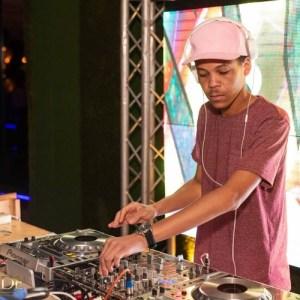 Calvin Fallo - Nna Nka Mofa. afro house musica, afro beat, datafilehost house music, mzansi house music downloads, south african deep house, latest south african house, funky house, new house music 2018