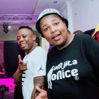 Dj Tira - Happy Days (Bizza Wethu & Mr Thela Remix)